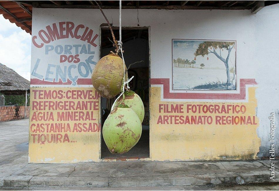 Devo colocar o nome do meu negócio em Português?