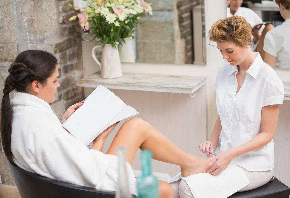 Quer trabalhar como manicure? Eis os requisitos para tirar licença