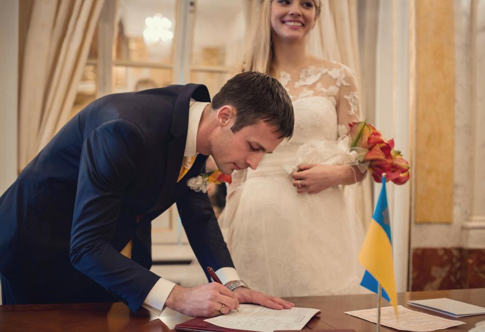 Casamento: mitos sobre regularização de situação imigratória